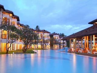 Main building at night - Sri Lanka Holidays