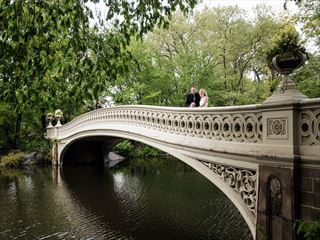 Bride & Groom on the famous Bow Bridge, Central Park