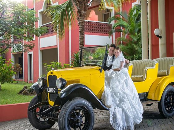 Wedded bliss at Diamonds Dream of Africa
