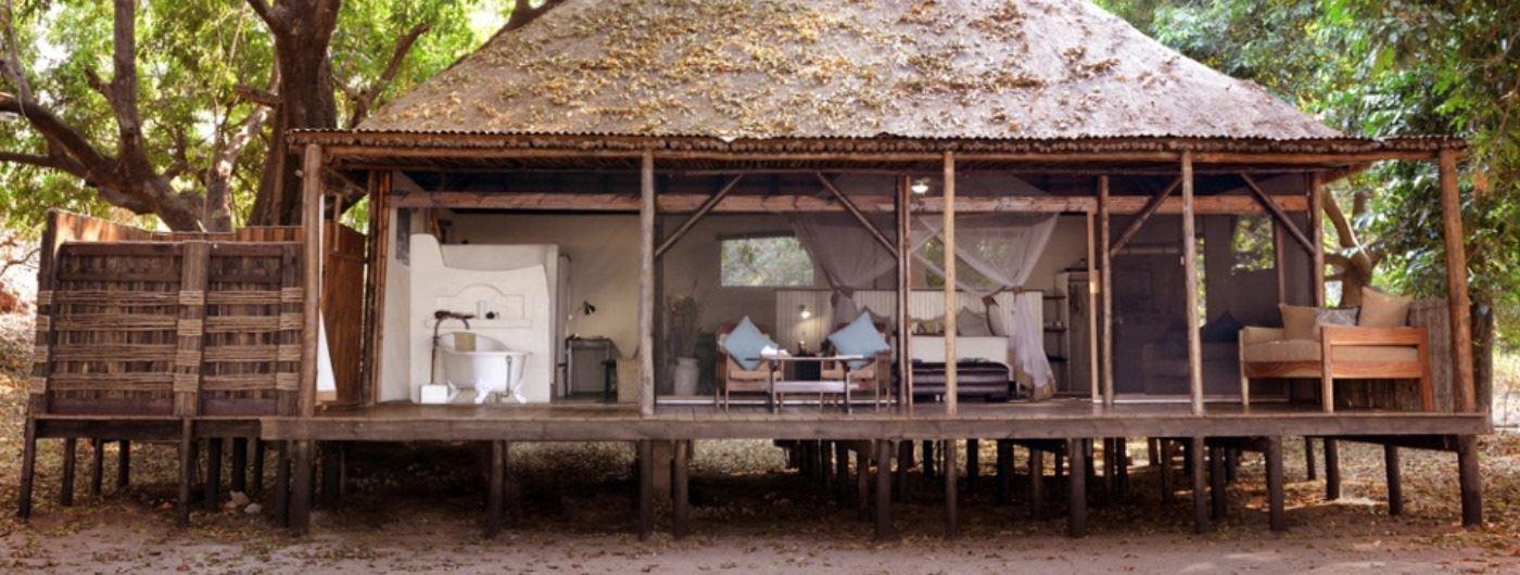 Tent VII exterior