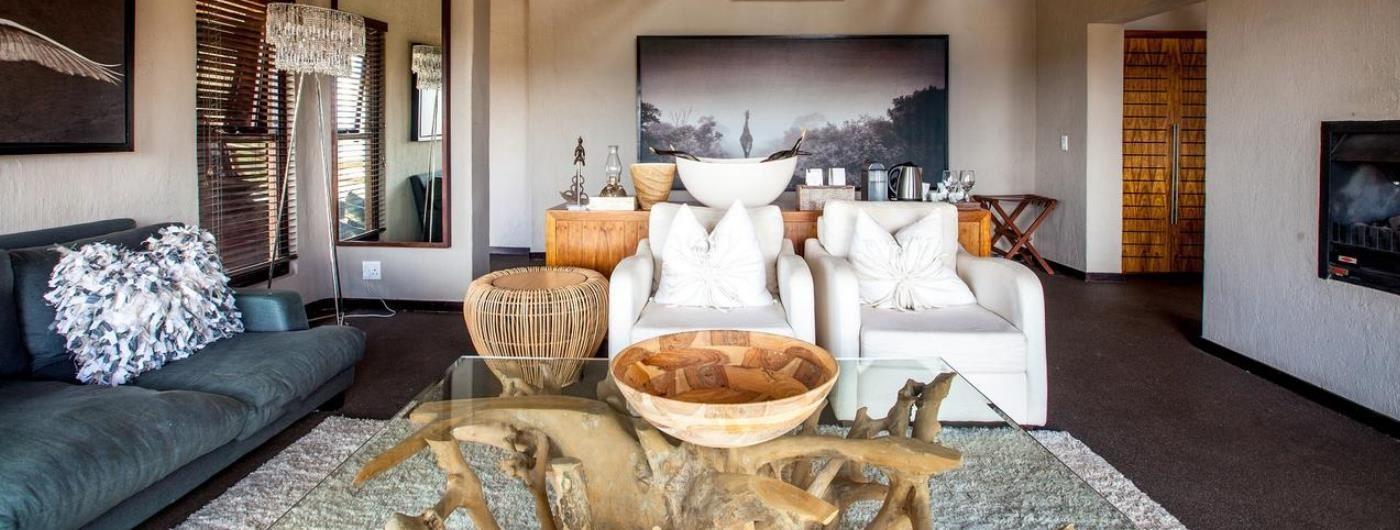 Nambiti Hills Game Lodge honeymoon suite lounge