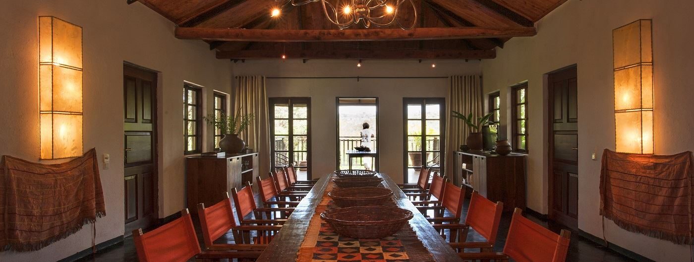 The Plantation Lodge & Safaris dining room