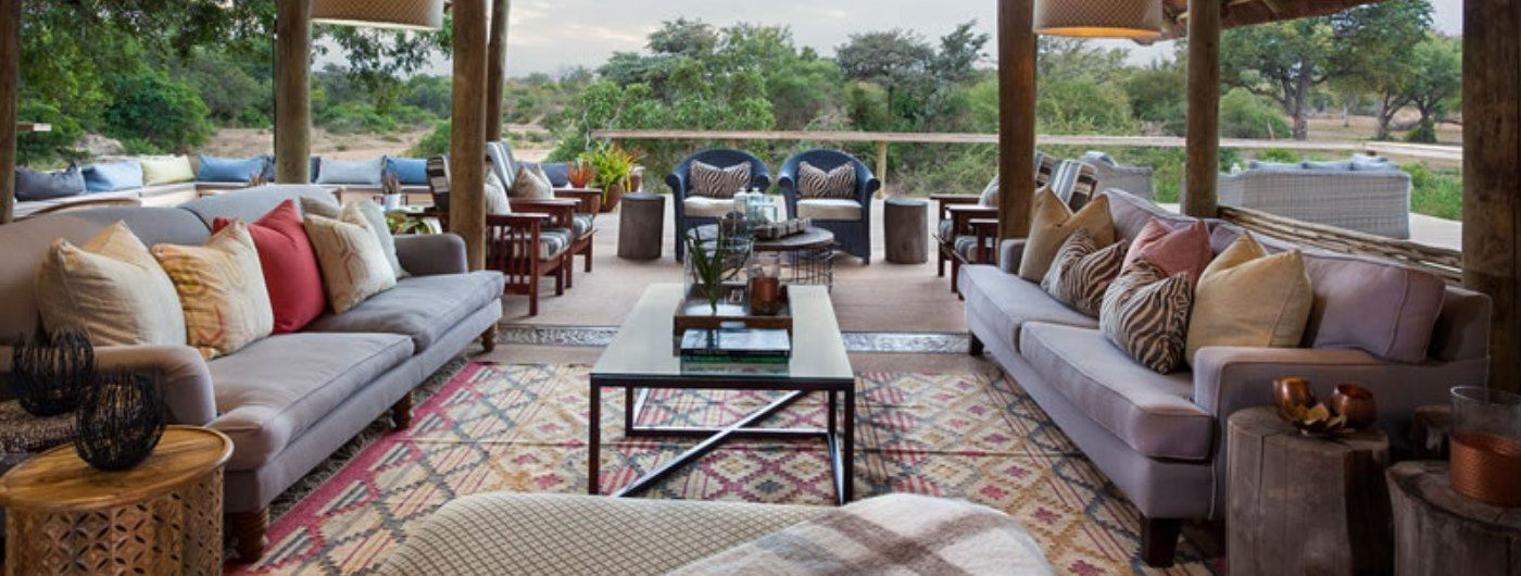 Thornybush Game Lodge main lounge