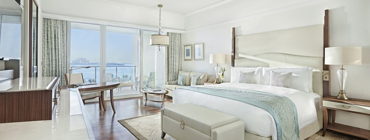 Waldorf Astoria Palm Jumeirah deluxe suite bedroom