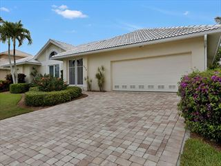 Example of a Marco Island Area Home - Villa Exterior