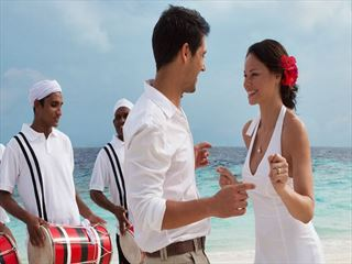 Renewing vows at Coco Bodu Hithi