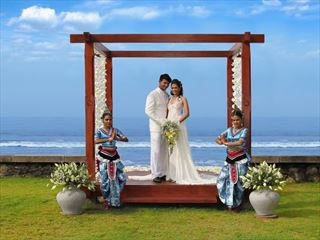 Simple yet elegant garden weddings, Saman Villas