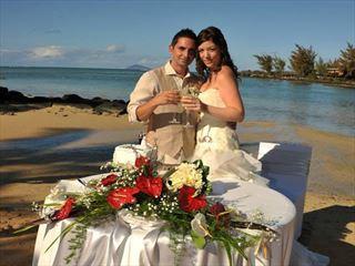 Honeymooners beach