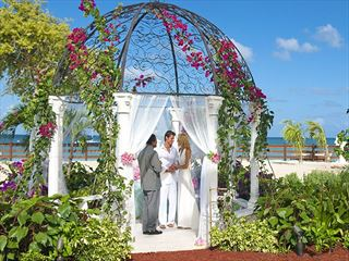 Sandals Grande Antigua wedding setting