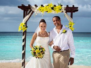 Wedding couple at Sea Breeze