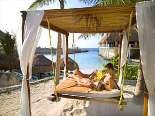 Honeymoon moments at Occidental Grand Xcaret