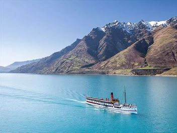 Getting around Queenstown and where to stay