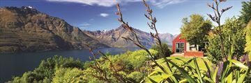 Villa Exterior Overlooking Lake Wakatipu and Mountains at Azur