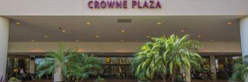 Front Entrance of Crowne Plaza Los Angeles Airport