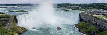 Daytime boat tour at Niagara Falls