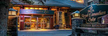 Delta Hotels Banff Royal Canadian Lodge, Entrance