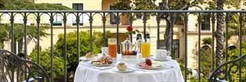 Balcony breakfast at Grand Hotel La Favorita