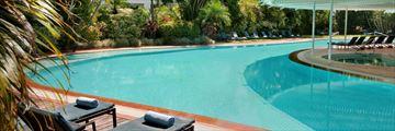 Hilton Cairns Hotel, Pool