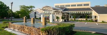 Holiday Inn Cape Cod Hyannis, Hotel Exterior