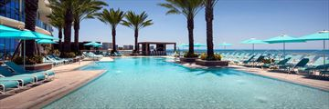 Opal Sands Resort, Pool
