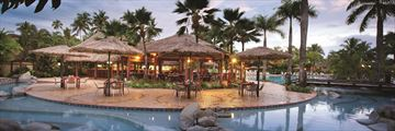 Outrigger Fiji Beach Resort, Baravi Restaurant and Pool