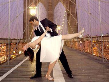 Wedding on Brooklyn Bridge, New York