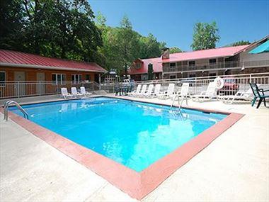 Qaulity Inn Creekside pool