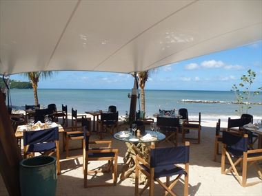 Rendezvous Beach Restaurant in St Lucia