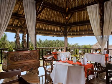 Cempaka lounge restaurant at Kamandalu Resort & Spa