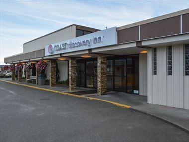 Coast Discovery Inn entrance