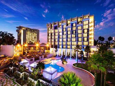 Hotel exterior, Marriott Newport Beach