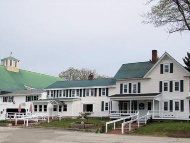 Merrill Farm Inn & Resort