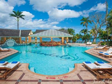 Sandals Negril Beach Resort & Spa pool