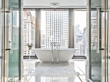 Regent Suite Master Bathroom, The Langham Chicago