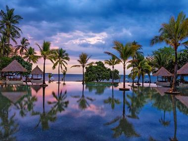 The infinity pool at The Oberoi Beach Resort Lombok