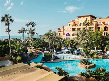 Villa Cortes pool