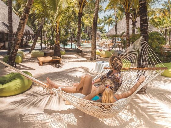Relaxing honeymoon moments at Canonnier Beachcomber Golf Resort & Spa