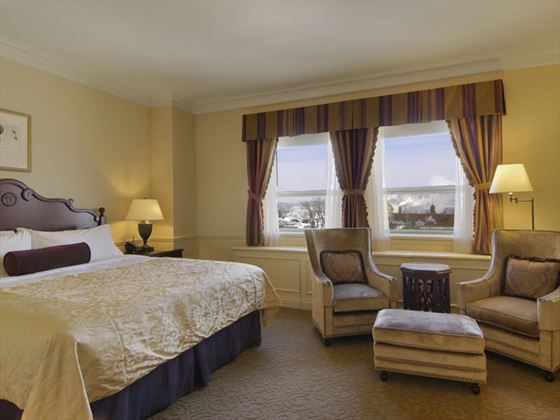 Deluxe river view guestroom