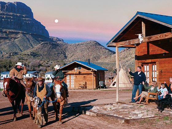 Grand Canyon Ranch Hotel