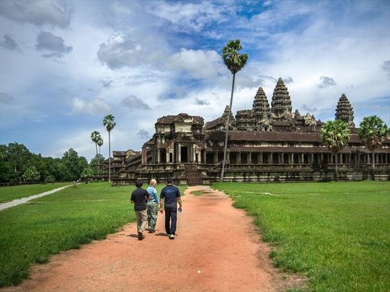Walking to Angkor Wat