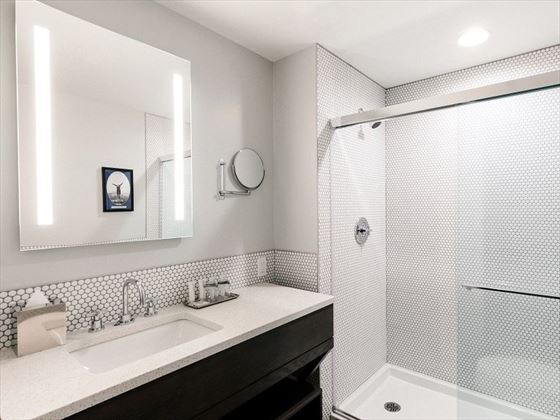 Luxury en-suite Bathroom, Mount Royal
