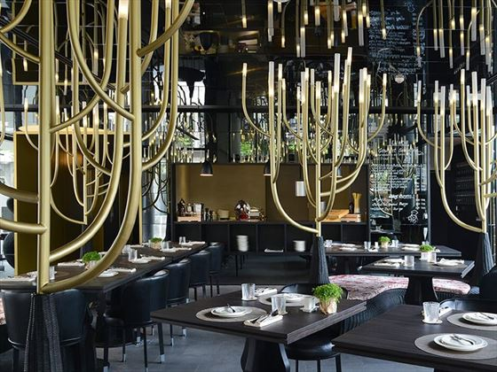 Italics Restaurant, Akyra Manor Chiang Mai