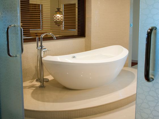 Al Manzil Burj View Suite bathroom