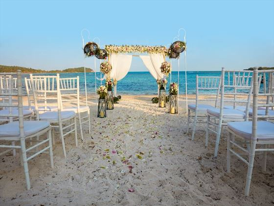 Beach setting for your wedding