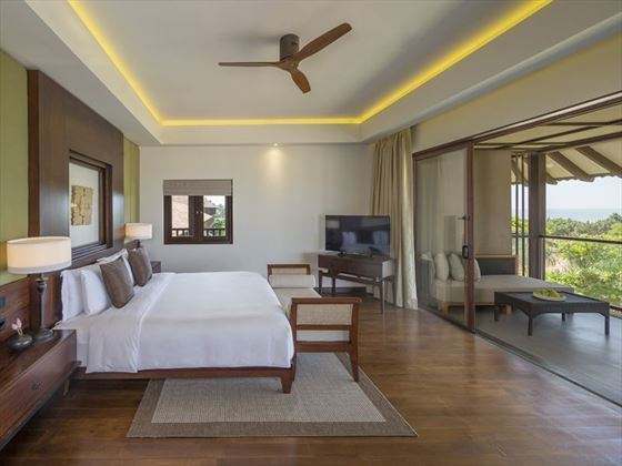 Ocean Suite bedroom at Anantara Kalutara