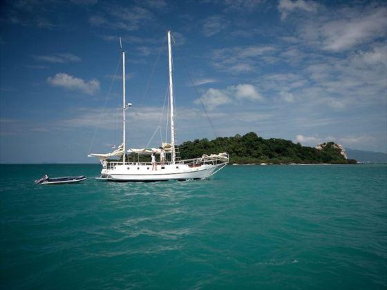 Picturesque Sailing Excursions at Belmond Napasai