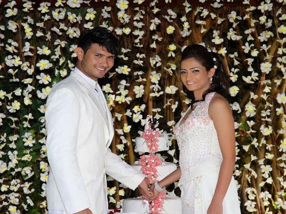 Bride and groom at Saman Villas