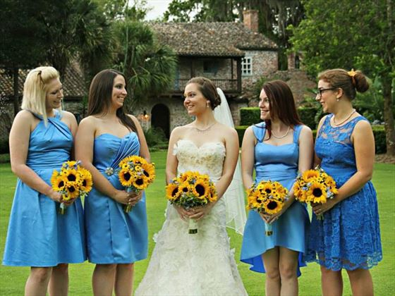 Bride and her bridesmaids at Casa Feliz