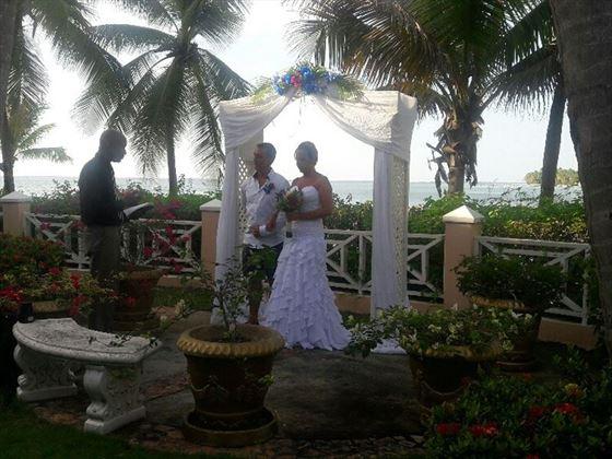 Wedding ceremony at Coco Reef