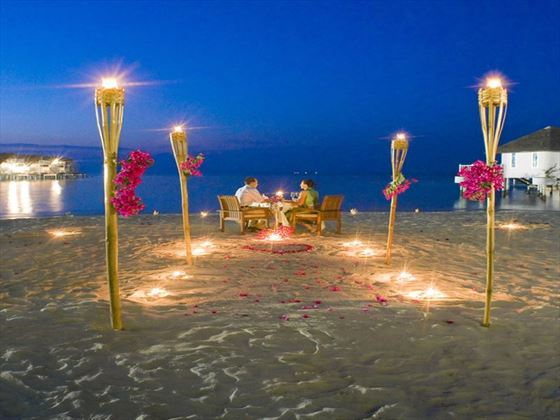 Romantic dining at Centara Grand Island Resort & Spa